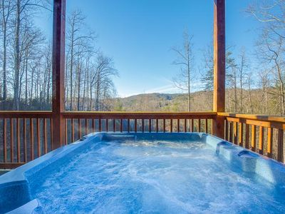 Photo for Apple Bear Lodge, 4 Bedrooms, Sleeps 18, Jacuzzis, Pool Table, Hot Tub