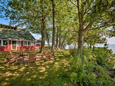 Photo for Rustic Lake House on Lake Champlain's Barney Point