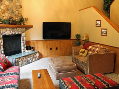 Photo for Beautiful decor-fireplace-5 min. to Main & Mirror Lake-Pet Friendly