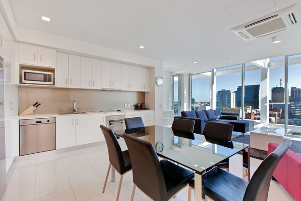 Light and spacious, stunning views of Adelaide CBD