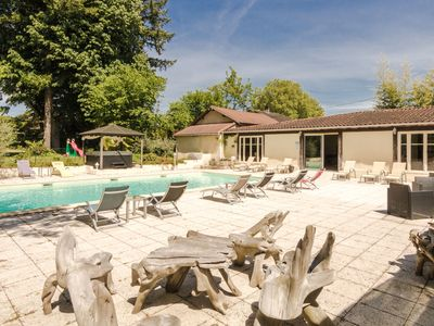 Photo for Comfortable gite with shared swimming pool, sauna and Jacuzzi