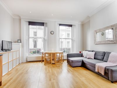 Photo for Bright and airy 1-bed flat at South Kensington!