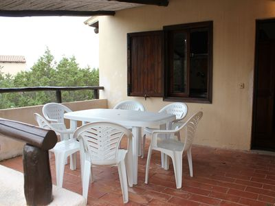 Photo for Cosy Apartment with Patio Just Minutes from Beautiful Beaches
