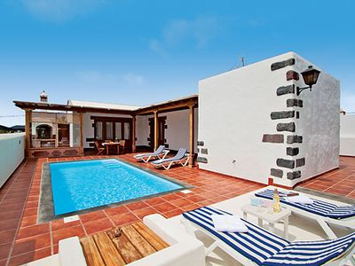 Photo for Countryside villa ideal for relaxed alfresco living with private pool, covered terrace & built-in BBQ