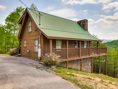 Photo for 2 level log cabin * 2 bedrooms * 2 baths