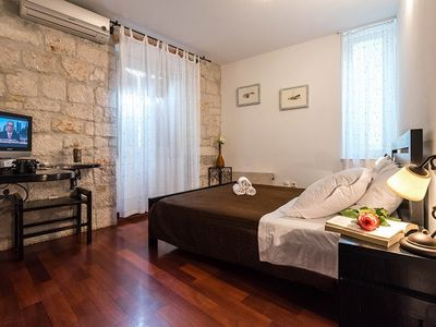 Photo for 1BR Apartment Vacation Rental in Trogir, Dalmatien