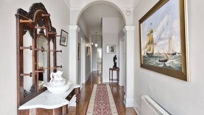 Photo for Hampden Manor - luxury in Battery Point