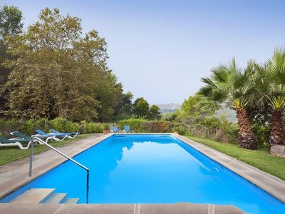 Photo for 4 bedroom Villa, sleeps 8 in Pollença with Pool and Air Con
