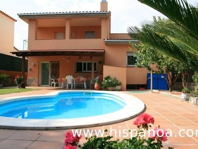 Photo for Villa with private pool in Pals, 2 Km from the center and 4 km from the beach, 9personnes
