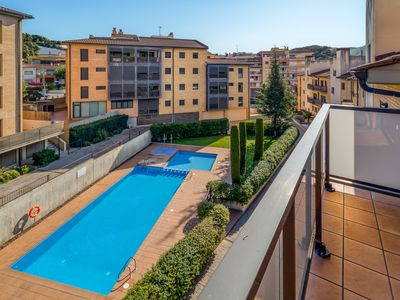 Photo for Duplex with terrace and pool at 50min Bcn