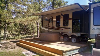 Photo for Sandpiper 40ft RV @EvansCliff /HotTub on deck, BBQ grill, Fall Rates!!