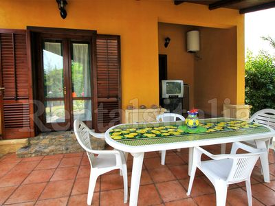 Photo for 3 Bedrooms Villa with Garden, Wi-Fi, BBQ, near the beach, close to Cefalù