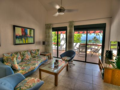 Ravishing Oceanfront Apartment next to Beach
