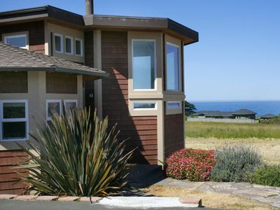 Front entrance to the Bodega Bay Bungalow