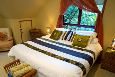 Melt into the super king memory foam mattress, and sleep as if you are on a cloud in a jungle rain forest