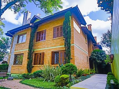 Photo for Apt in the heart of the center of cozy Lawn with heating, WIFI and NETFLIX