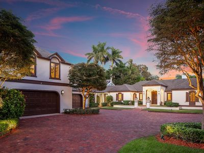 Photo for Port Royal Newly Renovated Contemporary Home On 3/4 Acres Walking Distance Beach