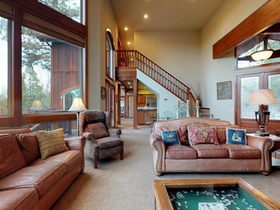 Photo for Custom-built  family mountain home w/game room, jetted tub, and sweeping views