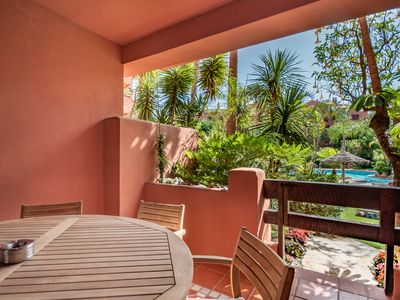 Photo for Cozy holiday apartment in 1 line beach complex with swimming pool