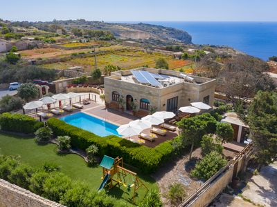 Photo for Luxury Fully Detached Villa With Private Pool in the countryside of Zurrieq
