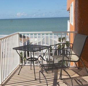 Photo for Penthouse w/ Gulf & Intracoastal Views-Steps to Beach-Hurry!