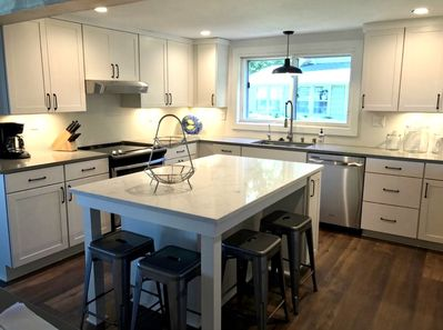 Spacious Kitchen to Hangout with Family and Friends!