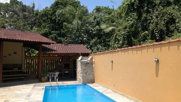 BERTIOGA, POOL, AIR CONDITIONS., Cond. CLOSED SUN COAST, at 90 meters from the beach