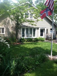 South facing front of 606 St Clair Ave., perfect beach cottage