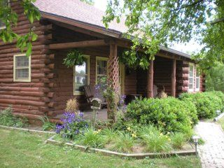 Enjoy the comforts of a rustic log cabin with all the amenities!