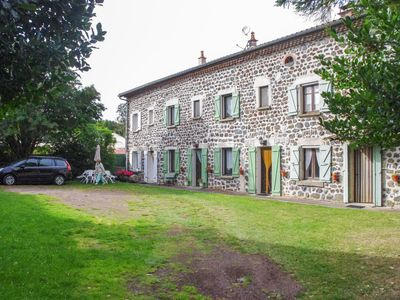 Photo for Apartment in the heart of a farm, 2 bedrooms, sleeps 6, well equipped