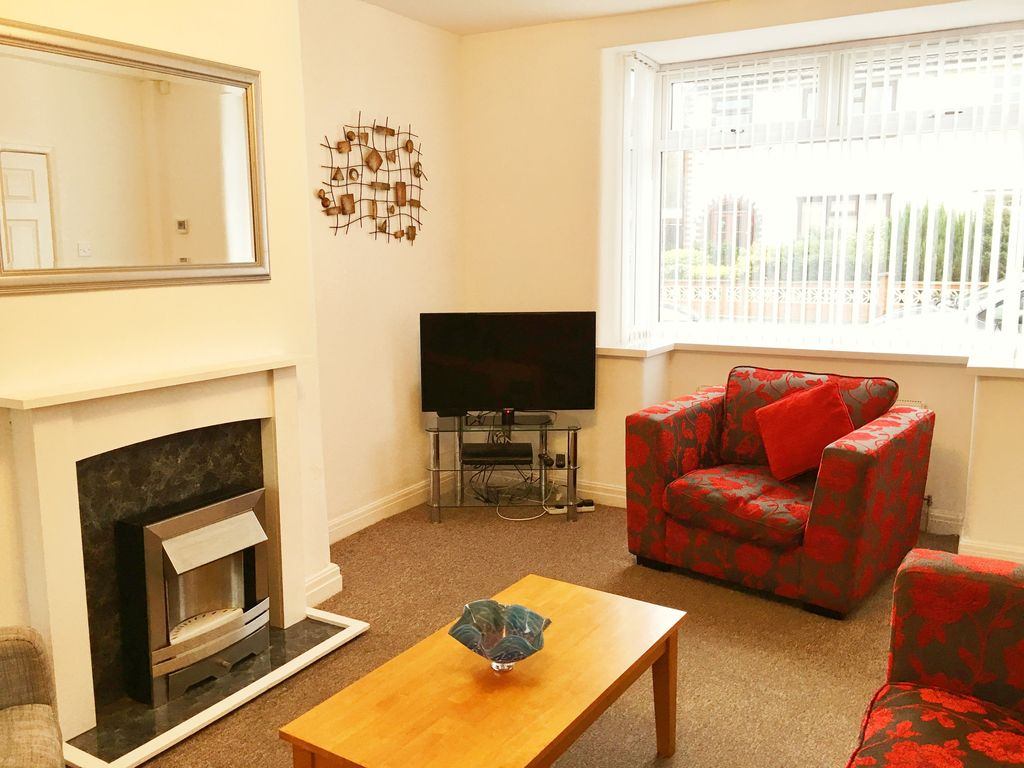 Astley House 3 Bedroom Serviced Accommodation