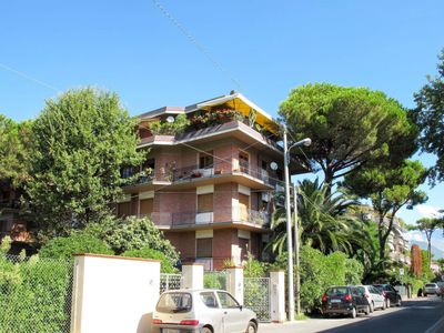 Photo for Apartment Residence Via Pisa (MAS345) in Marina di Massa - 4 persons, 2 bedrooms