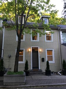 Photo for Lovely Downtown House 6 Bedroom+2 Parking+12 bed