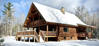 Photo for Stunning pine lodge, private & family friendly