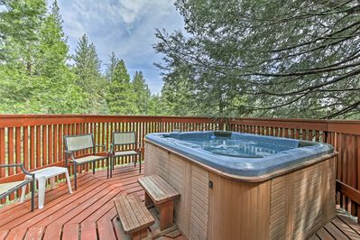 Live the California dream at this incredible vacation rental cabin!