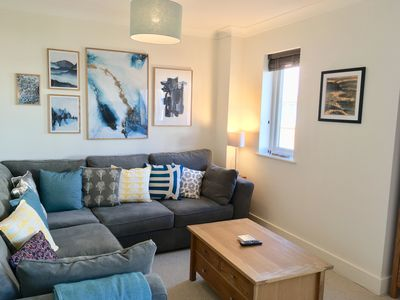Photo for Modern and spacious home in the village of Wye - sleeps 5