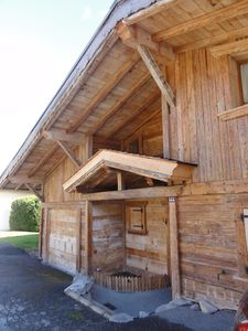 Photo for Full of charm chalet, 5 minutes by foot from the ski slopes and 10 min