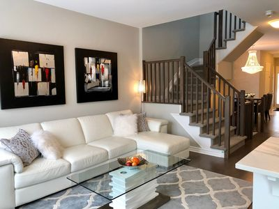 Photo for Luxury Built Brand New (2018) 10 Mins To  Airport / 15 Mins To Downtown