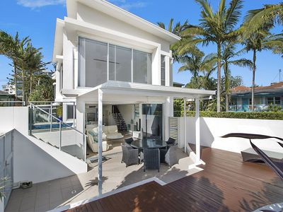 Photo for Rainbow Bay Villa - Spacious and Luxurious
