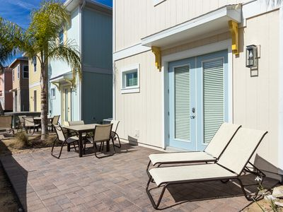 Photo for Incredible Margaritaville Cottage! Free Wi-Fi. Lagoon pool and poolside Tiki Bar on-site.