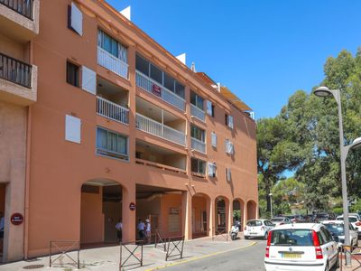 Photo for Apartment Le Victoria in Saint Aygulf - 2 persons, 1 bedrooms