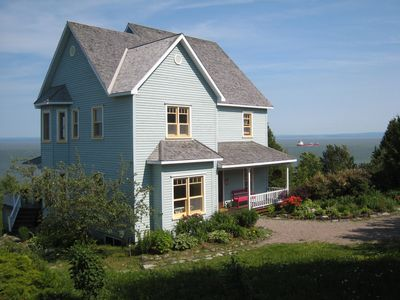 The House directly by the St Lawrence river