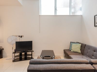Photo for Modern 1BR Home in Kings Cross! 4 guests