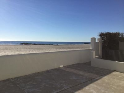 Photo for Beautiful apartment on the beach, facing the sea!