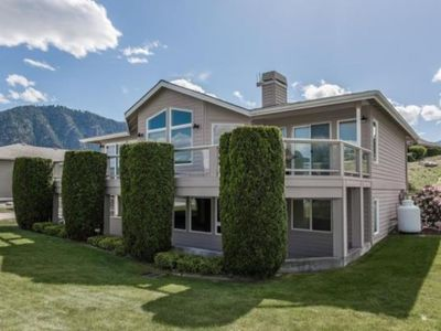 Photo for Spacious Lakeview Home on Wapato Point