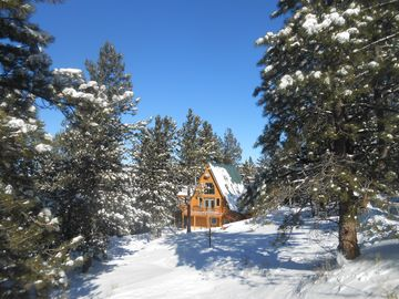 Beautiful brand new Lodge in the Sangre de Cristo Mountains,  hunters paradise!!