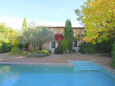 Photo for Tastefully decorated house with private pool, near the famous village Gordes