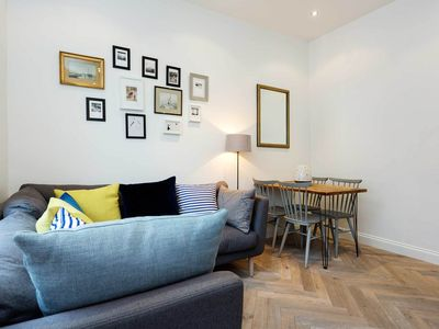 Photo for 2 minutes from Marylebone station! Contemporary 2 bed apartment (Veeve)