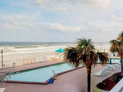 Photo for Oceanfront condo w/ shared pool & hot tub and lovely view of the beach
