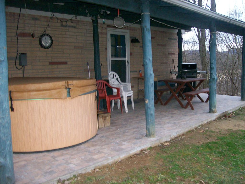 log virginia in wv explorer cabin west hot fayetteville lodges near tub lodging cabins with